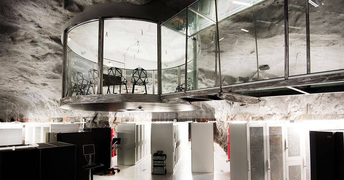 Översikt av serverhallen i Pionen, inkluderat det coola konferensrummet