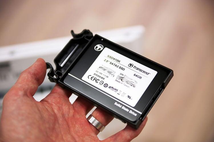 unboxing-greentouch-7-anslutningar-2-SSD-minne.jpg